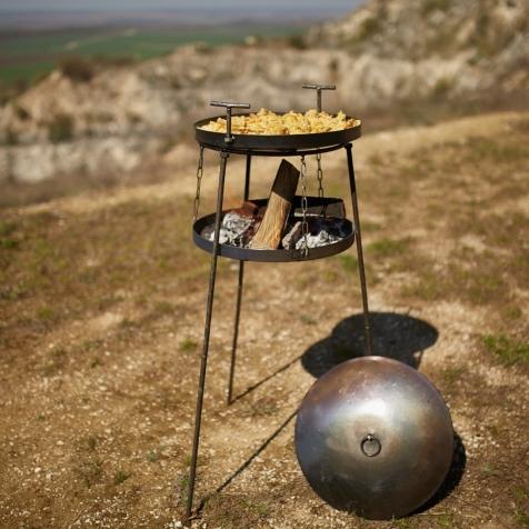 """Набір """"Сковородка 500мм із підставкою повітряною універсальною для багаття (САДЖ) і кришкою"""""""